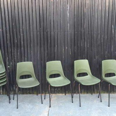 groene kuipstoelen kantinestoelen stapelstoelen plastic stapelbaar buitenstoelen GoodStuffFactory