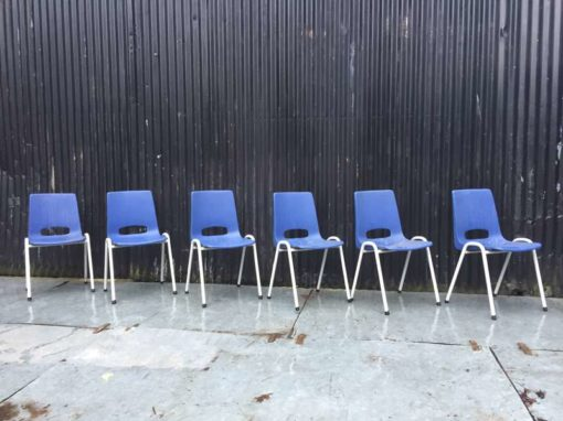 плава пластична корпа седишта винтаге бела оквир ГоодСтуффФацтори