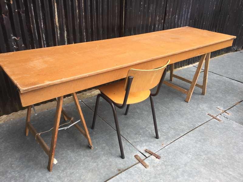 Tafel met schragen schraag van hout ronpaulhemp