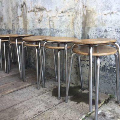 krukjes tabourets stapelstoelen krukken stoelen vintage retro GoodStuffFactory