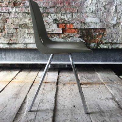 marko Jac Vogels stapelstoel kantine groen chrome frame GoodStuffFactory