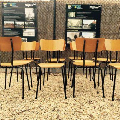zwarte noire frame stoel stool chair chaise retro brocante vintage industrieel GoodStuffFactory