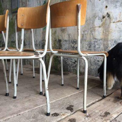 INDUSTRIAL wit blanche stapelstoelen kantine brasserie koffiebar vintage retro horeca GoodStuffFactory