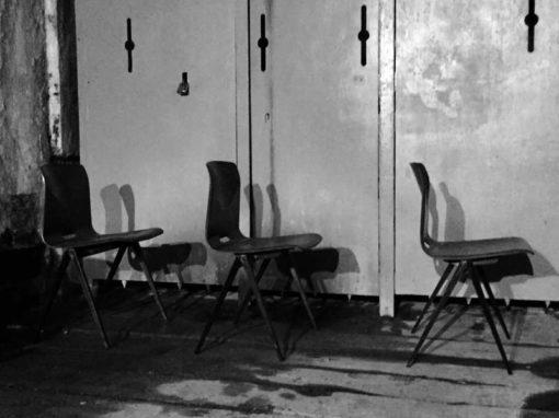 Вим Риетвелд Пагвоод СКСНУМКС галванитас Пагхолз слагање дрвених столица Пагвоод Студио Поткровље Цхроме Оффице Деск индустријска бариста таверна кафић винтаге ретро ГоодСтуффФацтори