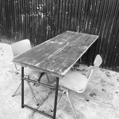 retro stoer groen frame stoer cafe horeca industrial klaptafel legergroen _GoodStuffFactory