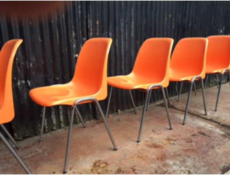 Amazing tubax maakte destijds ook stoelen met plastic for Kuipstoel voor buiten