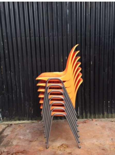 Affordable tubax maakte destijds ook stoelen met plastic for Kuipstoel voor buiten