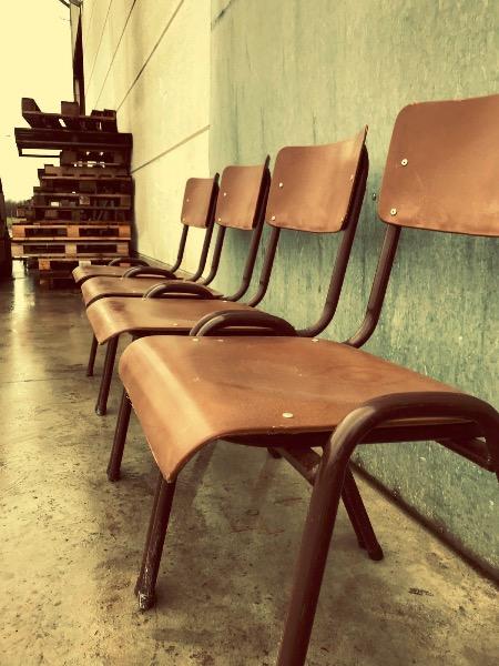bruin brown vintage retro binnen buiten terras horeca_thegoodstufffactory_be