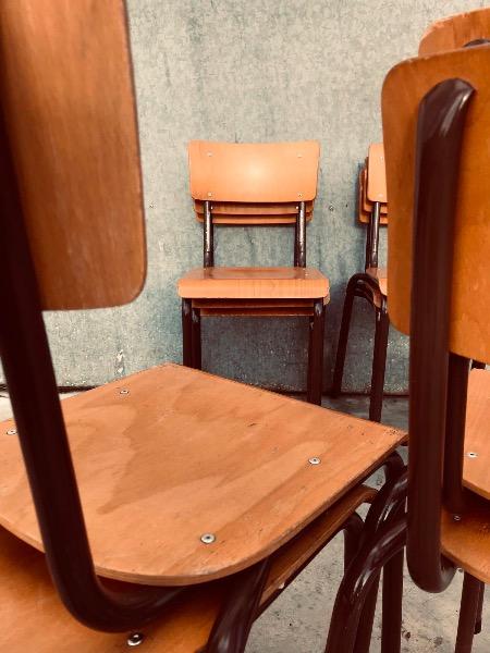 chaises stuhl stolar stoelen cantina kantine retro_thegoodstufffactory_be