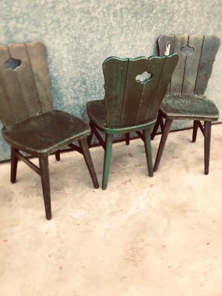 massieve caféstoelen zwiters zwitersland stube cafe bar_thegoodstufffactory_be