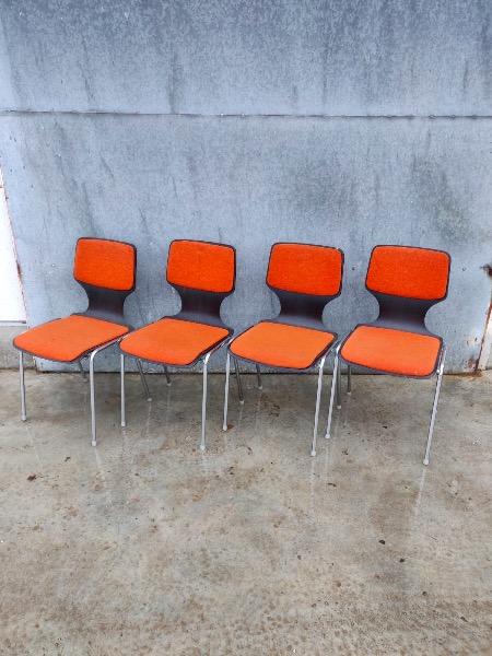 oranje space age stoelen set vintage retro_thegoodstufffactory_be