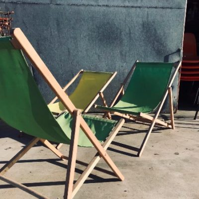 ang mga beach chair na natitiklop na upuan café_thegoodstufffactory_be