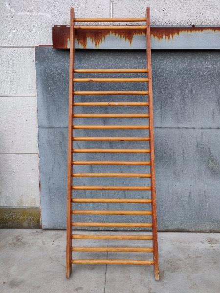 fysiorek klimrek vintage a grimper_pine_thegoodstufffactory_Be