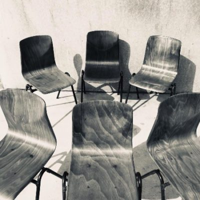 GALVANITAS S25 stoelen kastanjebruin_maronne_thegoodstufffactory_Be