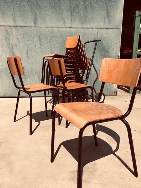 black vintage stoel chaise ZWART HORECA RESTO BAR-THEGOODSTUFFFACTORY-bE