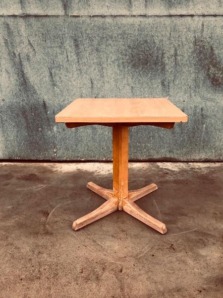 houten TAFELS horeca_thegoodstufffactory_be