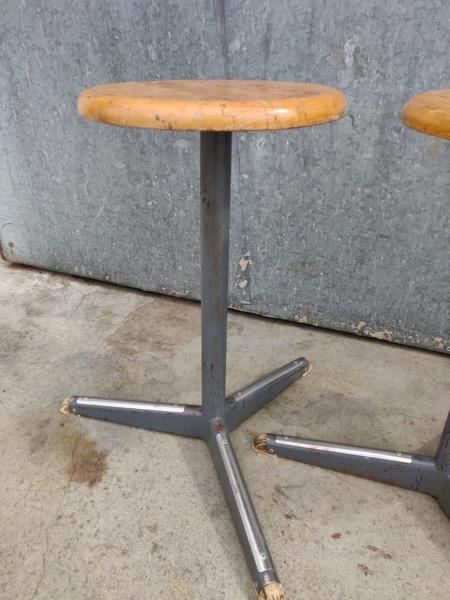 industrial tabouret stool vintage chine du jour_thegoodstufffactory_be