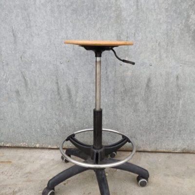 Materie prima studio sedie regolabile ospitalità pop up co spazio di travagliu retro vintage_thegoodstufffactory_BE