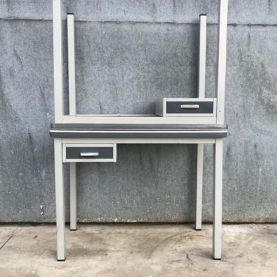 METAL industrial desk bureau vintage retro sixties_thegoodstufffactory_Be