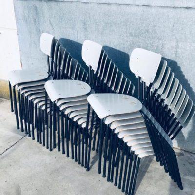 kantinestoelen zaalstoelen retro interieur vintage raw industrieel industrial antiques stolar stoel chaise black noir zwart_thegoodstufffactory_Be
