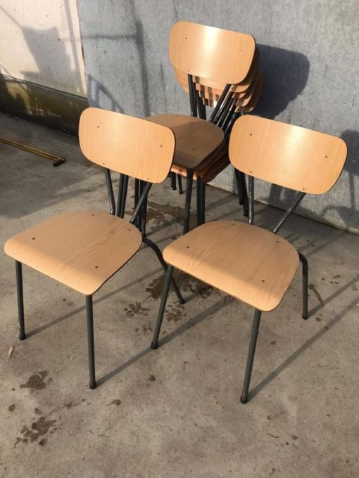 faʻafefiloi ma fetaui le INTERIOR RETRO vintage factory chair desk stool_thegoodstufffactory_be