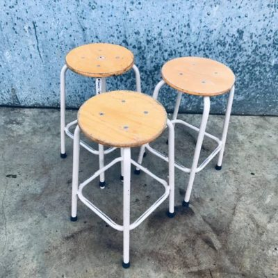 KRUKJES TABOURETS beige stool industrial antiques ostalgie retro seventies_thegoodstufffactory_Be