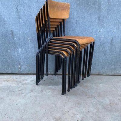 black trapezium schwarz noire stoel chaise stolar ostalgie dutchdesign retro vintage retro_thegoodstufffactory_be