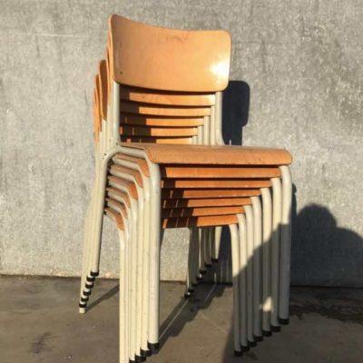 beige witte set vintage retro stoel stolar kinderstoel chaise enfant école_thegoodstufffactory_be