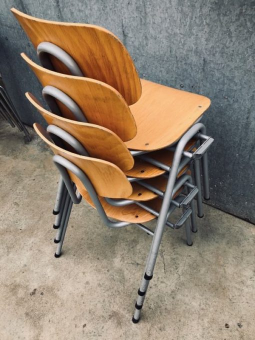 KHAO LANG LE dutch design GREY GRISE vintage ostalgie retro industrial antiques stoel canteen chair chaise _thegoodstufffactory_Be