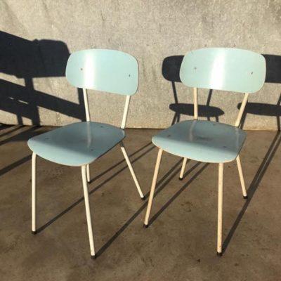 WITTE BLAUWE VINTAGE RETRO STOELEN CHAISES belgian design cafe resto OSTALGIE_thegoodstufffactory_be