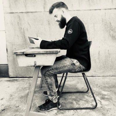 desks karetao retro rakau bois buro co mahi waahi_thegoodstufffactory_be