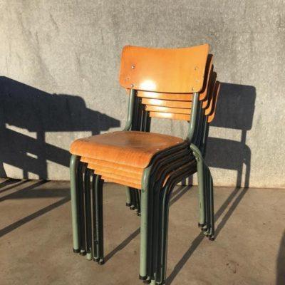 โรงอาหารโชคชะตาขนาดใหญ่วินเทจเก้าอี้ RETRO CHAISES เบลเยียมออกแบบร้านกาแฟ resto OSTALGIE_thegoodstufffactory_be