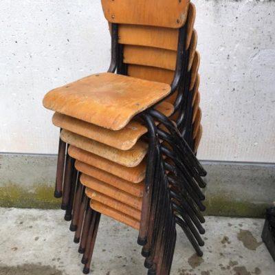 อายุหกสิบเศษย้อนยุควินเทจเก้าอี้เด็กเด็ก CHAISES ENFANTS ผนังตู้ armoire ออกแบบ _thegoodstufffactory_be