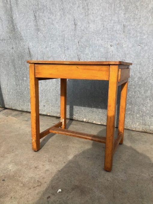 laulau table table vintage ostalgie retro fausaga faletauta nofoa nofoa nofoa nofoaafi _thegoodstufffactory_Be