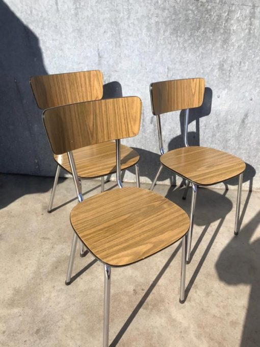 bruine formica stoelen chaises indusrial design stool canteen bar barista vintage industrial antiques_thegoodstufffactory_be