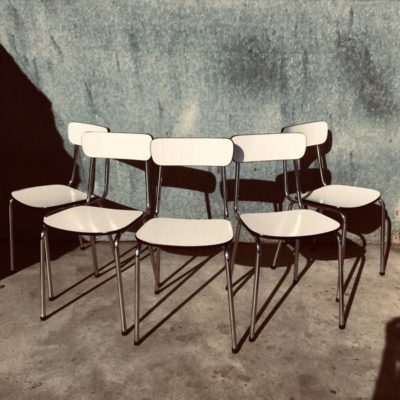 wit witte stoelen chaises indusrial design stool canteen bar barista vintage industrial antiques_thegoodstufffactory_be