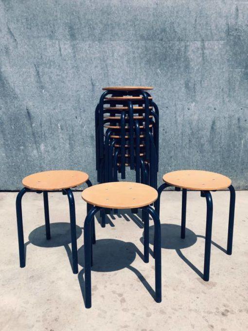 lanumoana lanumoana CANTEEN STOOL STOOL TABOURET vintage retro retro onosefulu fitu_thegoodstufffactory_be