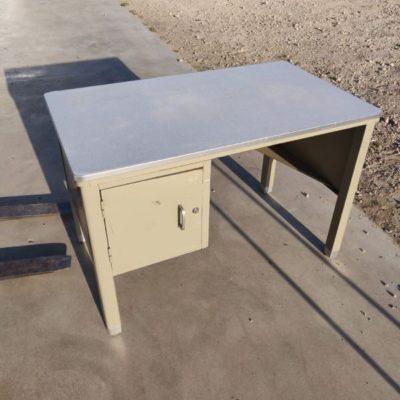 колеге столови опремање винтаге ретро шездесетих седамдесетих година БРТ мм метални индустријски антиквитети антиквитети тубак_тхегоодстуфффацтори
