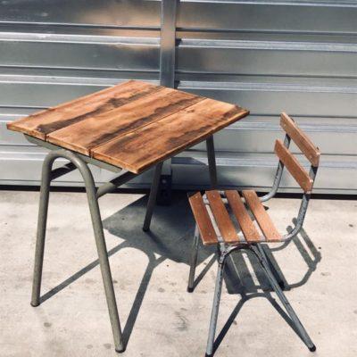 вањски поплочани дио дворишта вањске столице столнице пиваре
