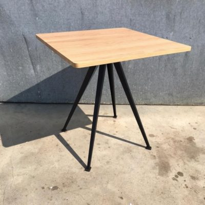 HAY pyramid cafe 21 table table bistro วินเทจรีเมคใหม่ horeca_thegoodstufffactory_be