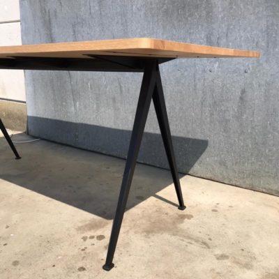 HAY พีระมิดโต๊ะใหญ่บิสโทรวินเทจรีเมคใหม่ horeca_thegoodstufffactory_be