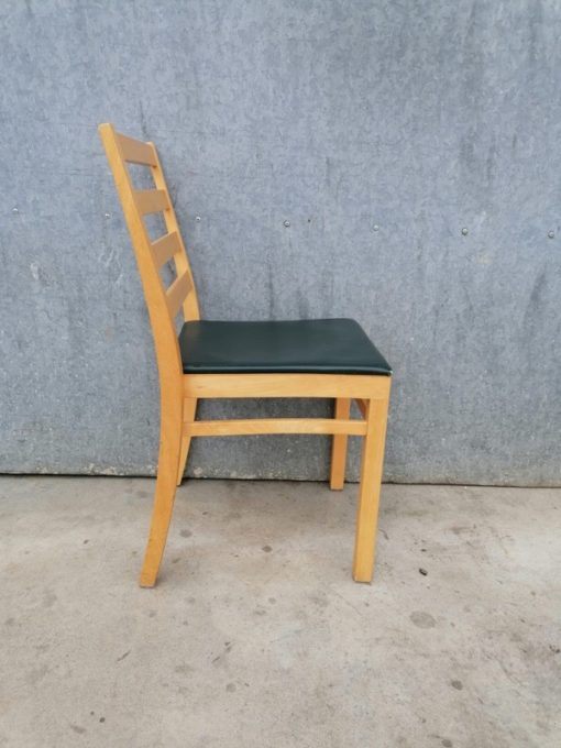 SKAIE RETRO MASSIEF HOUT vintage ostalgie industrial antiques sixties seventies chair chaise stuhl stolar_thegoodstufffactory_Be