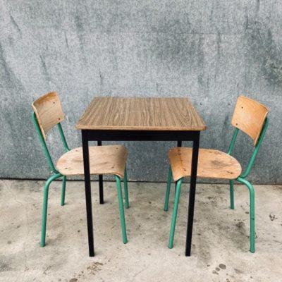vierkant HORECA tafels tables tabels interieur exterieur seventies sixties industrial canteens retro ostalgie cowork vintage retro